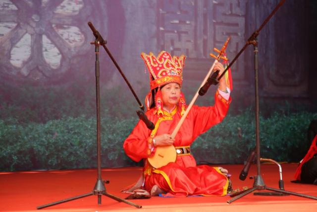 Trình diễn Di sản văn hóa phi vật thể Nghi lễ Then, Cao Bằng - Ảnh 1.