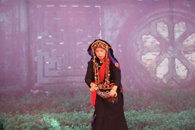 Trình diễn Di sản văn hóa phi vật thể Nghi lễ Then, Cao Bằng - Ảnh 2.
