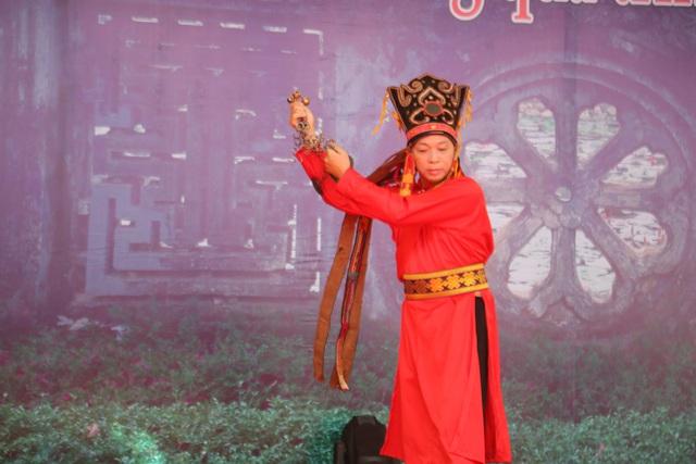 Trình diễn Di sản văn hóa phi vật thể Nghi lễ Then, Cao Bằng - Ảnh 3.