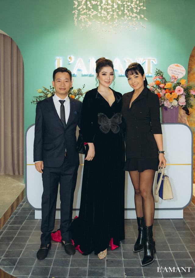 Hồ Ngọc Hà và Kim Lý bắt gặp đi thử áo cưới ở wedding L'amant - Ảnh 9.