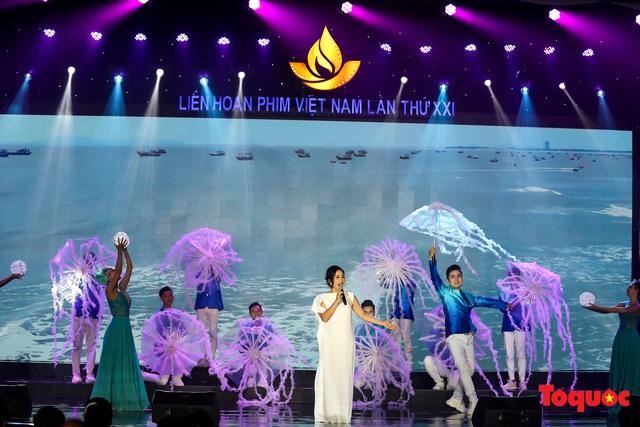 Toàn cảnh lễ Khai mạc Liên hoan phim Việt Nam lần thứ XXI tại Vũng Tàu - Ảnh 9.