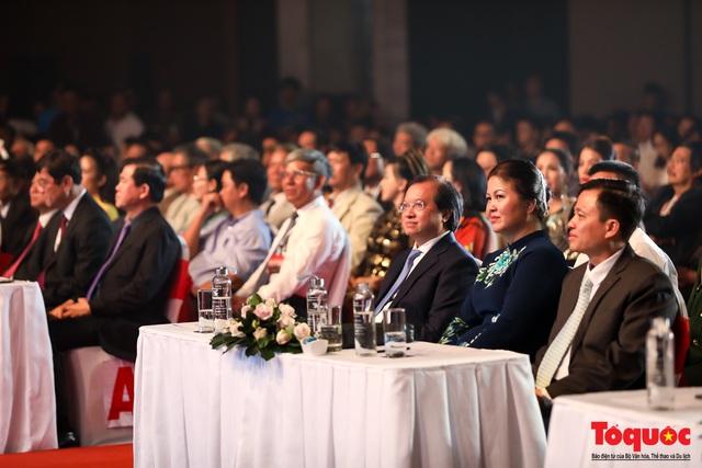 Toàn cảnh lễ Khai mạc Liên hoan phim Việt Nam lần thứ XXI tại Vũng Tàu - Ảnh 2.