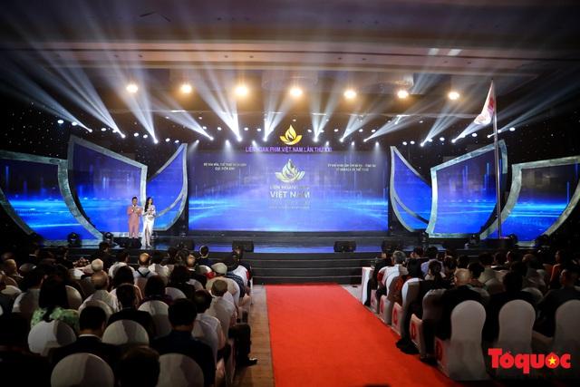 Toàn cảnh lễ Khai mạc Liên hoan phim Việt Nam lần thứ XXI tại Vũng Tàu - Ảnh 1.