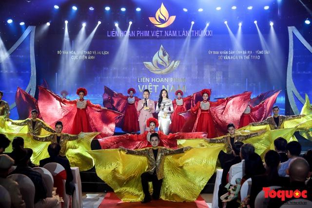 Toàn cảnh lễ Khai mạc Liên hoan phim Việt Nam lần thứ XXI tại Vũng Tàu - Ảnh 12.