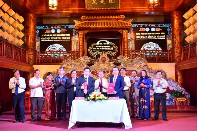 Ký kết hợp tác đưa di sản văn hóa Huế vào trường học ở Thừa Thiên Huế - Ảnh 1.