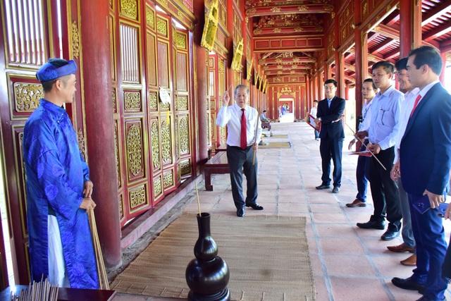 Ký kết hợp tác đưa di sản văn hóa Huế vào trường học ở Thừa Thiên Huế - Ảnh 3.