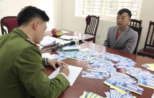 Thủ thuật hô biến giấy lộn thành gần 1.000 vé giả trận Việt Nam - Thái Lan - Ảnh 1.