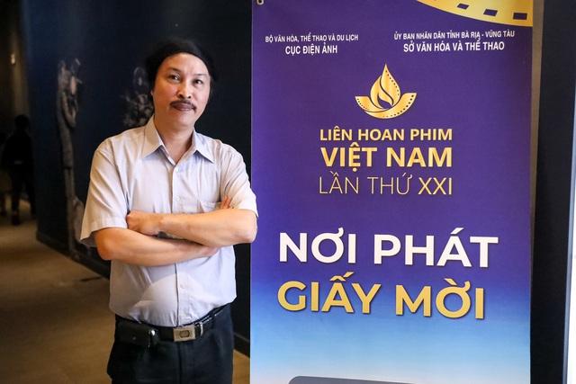 Khán giả Vũng Tàu xếp hàng dài, ngồi bệt xem phim ở tuần liên hoan phim Việt Nam lần thứ XXI - Ảnh 7.