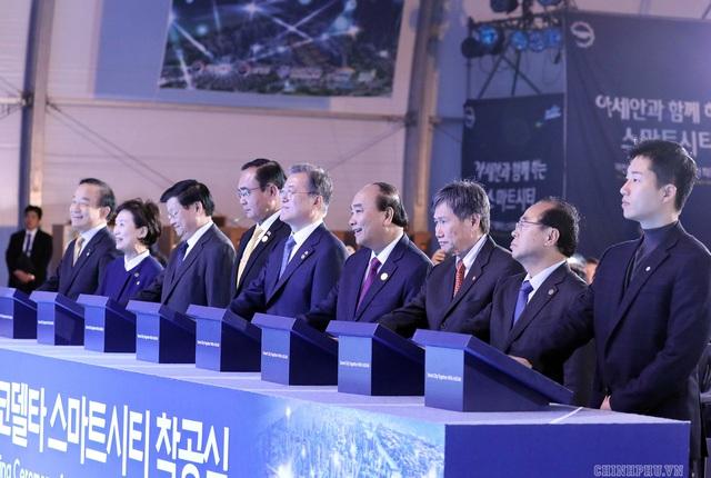 Toàn cảnh hoạt động của Thủ tướng ngày đầu chuyến thăm Hàn Quốc  - Ảnh 2.