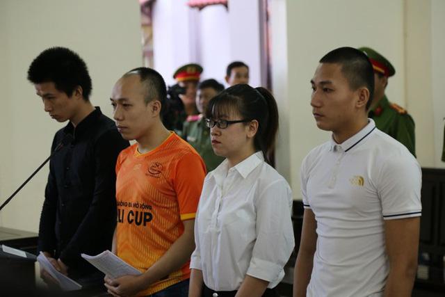 Xét xử 4 nhân viên của Nguyễn Thái Luyện trong vụ đập xe cưỡng chế - Ảnh 1.