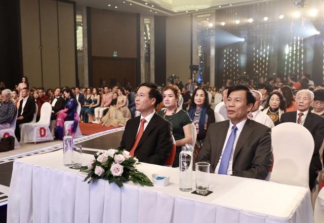 Song Lang giành Bông sen vàng Liên hoan phim Việt Nam lần thứ XXI - Ảnh 1.