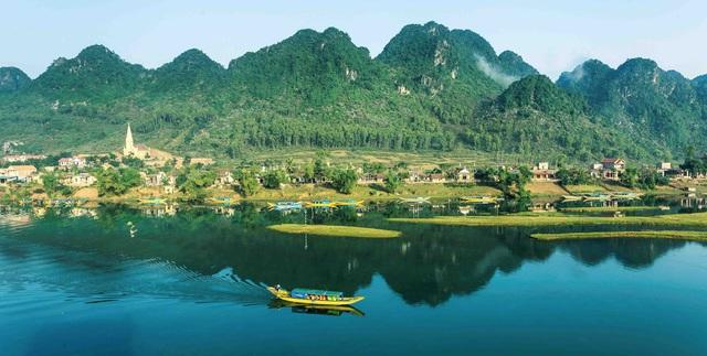 Phong Nha - Kẻ Bàng tiếp tục được bình chọn là điểm đến đáng trải nghiệm hàng đầu tại Việt Nam  - Ảnh 1.
