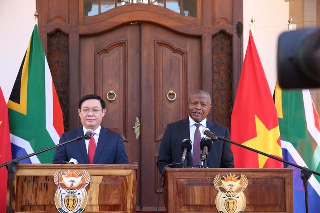 Phó Thủ tướng Vương Đình Huệ đề nghị cho phép mở chi nhánh ngân hàng thương mại Việt Nam tại Nam Phi - Ảnh 3.