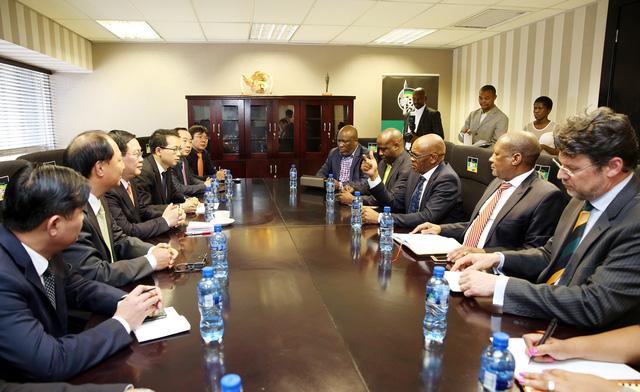 Phó Thủ tướng Vương Đình Huệ đề nghị cho phép mở chi nhánh ngân hàng thương mại Việt Nam tại Nam Phi - Ảnh 5.