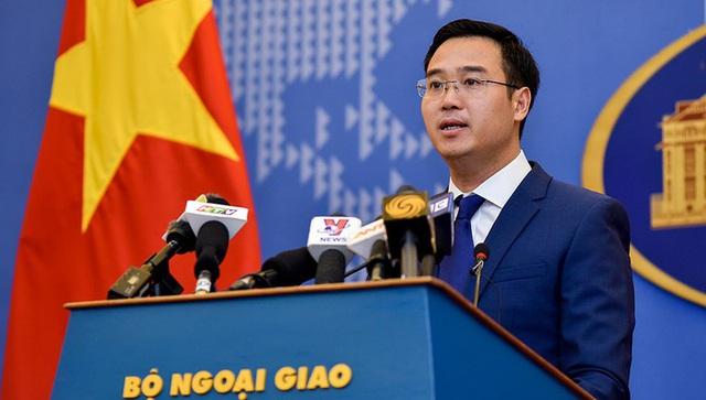 Bộ Ngoại giao phản ứng việc Operation Smile mời Thành Long sang Việt Nam - Ảnh 1.
