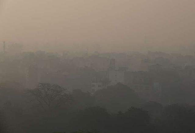 """Hình ảnh hé lộ tại sao không khí New Delhi nhiễm độc nặng nề còn Bắc Kinh lại sắp thoát mác """"thủ đô ô nhiễm toàn cầu"""" - Ảnh 1."""