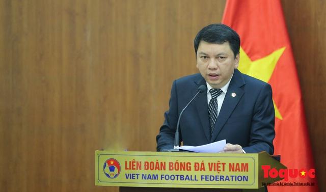 Thời khắc hàng triệu người hâm mộ Việt Nam chờ đợi HLV Park Hang Seo thực hiện - Ảnh 4.