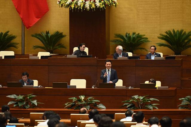 Thanh niên, cụ già vất vả làm giấy chứng nhận độc thân, góa bụa: Bộ trưởng Nguyễn Mạnh Hùng khẳng định sẽ bớt thủ tục nhiêu khê nhờ cơ sở dữ liệu  - Ảnh 1.