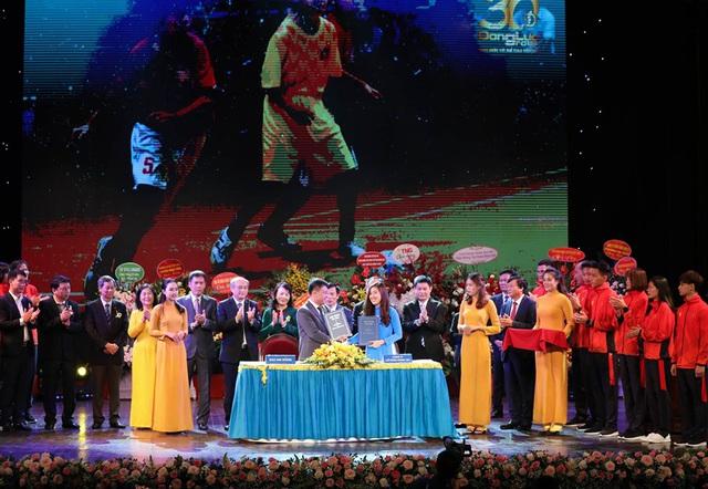Bộ trưởng Nguyễn Ngọc Thiện đánh giá cao vai trò của công ty Động Lực với những đóng góp cho thể thao Việt Nam - Ảnh 2.