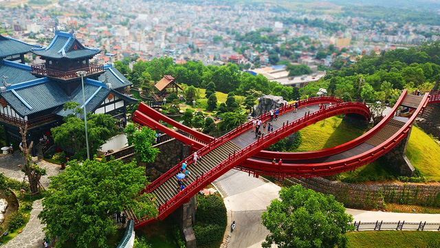 Sun World Halong Complex giảm hơn 50% giá vé cáp treo Nữ Hoàng cho du khách 6 tỉnh phía Bắc - Ảnh 2.