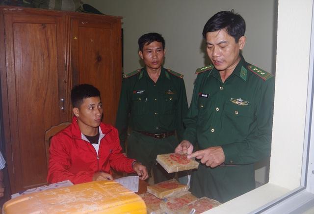 Một lượng lớn ma túy trôi dạt vào bờ biển ở Quảng Nam   - Ảnh 1.