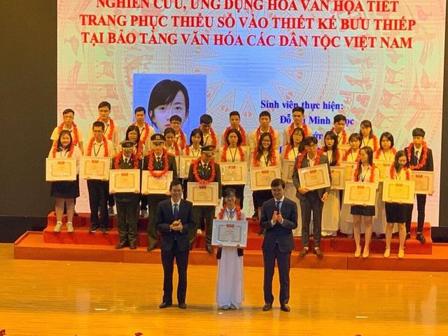 """Sinh viên Đại học Mỹ thuật Việt Nam giành giải Nhất giải thưởng """"sinh viên nghiên cứu khoa học"""" năm 2019 - Ảnh 1."""