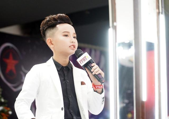 Hot boy nhí Nguyễn Huy Việt  đăng quang Chung kết cuộc thi tìm kiếm Người mẫu nhí Việt Nam - Ảnh 1.