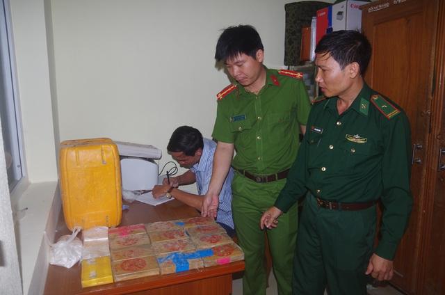 Một lượng lớn ma túy trôi dạt vào bờ biển ở Quảng Nam   - Ảnh 2.