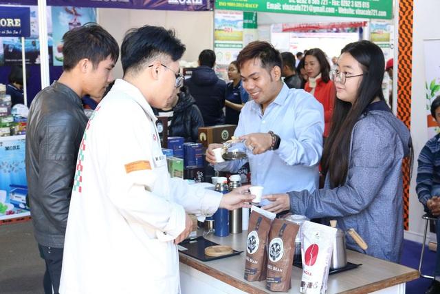 Nhiều du khách thích thú tham quan lễ hội cà phê tại Gia Lai - Ảnh 2.