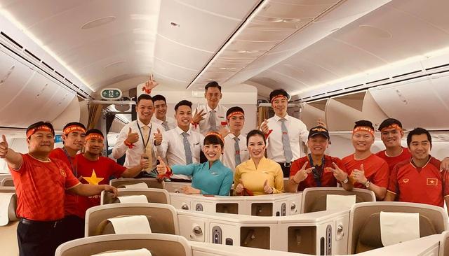 """Vietnam Airlines bố trí riêng một """"siêu máy bay"""" Boeing để đón đoàn từ Manila về Hà Nội - Ảnh 1."""