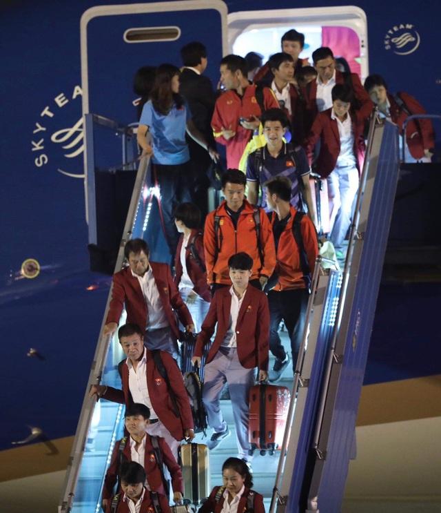 [Trực tiếp] Đón U22 Việt Nam và ĐT nữ Việt Nam: Thủ tướng Nguyễn Xuân Phúc gặp mặt ban huấn luyện, cầu thủ hai đội bóng - Ảnh 22.