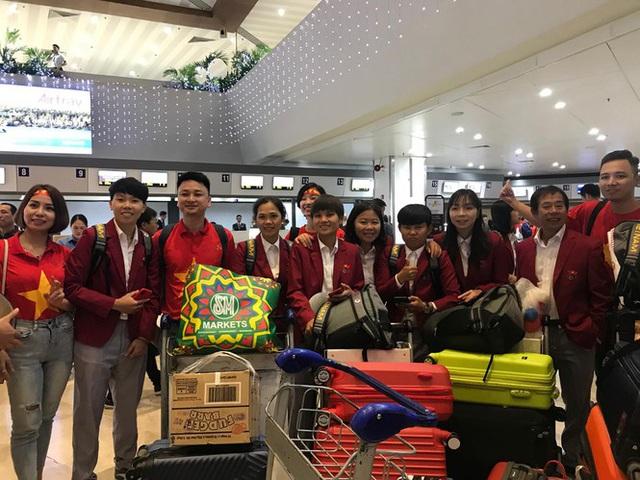 [Trực tiếp] Đón U22 Việt Nam và ĐT nữ Việt Nam mang cú đúp HCV về Tổ quốc, Lễ bế mạc SEA Games 30 - Ảnh 7.