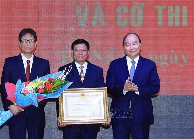 Thủ tướng Nguyễn Xuân Phúc trao Huân chương Lao động hạng Nhất cho Học viện Chính trị khu vực III - Ảnh 3.
