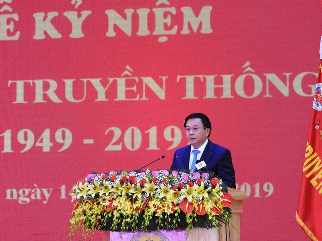 Thủ tướng Nguyễn Xuân Phúc trao Huân chương Lao động hạng Nhất cho Học viện Chính trị khu vực III - Ảnh 4.