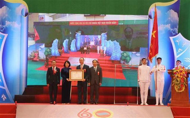 Trường ĐH Thể dục Thể thao Bắc Ninh kỷ niệm 60 năm thành lập và đón nhận Huân chương Lao động hạng Nhất - Ảnh 1.