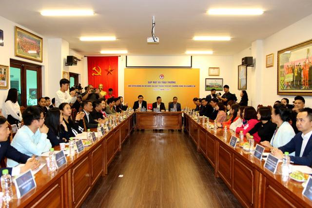 Gặp mặt và trao trưởng cho thành tích xuất sắc của Đội tuyển bóng đá nữ Quốc gia tại SEA Games 30 - Ảnh 1.