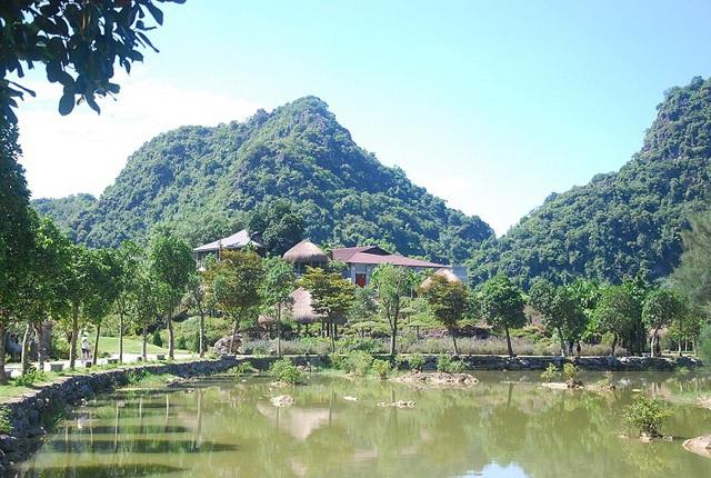 Ninh Bình xử phạt công trình xây dựng sai phép trong vùng di sản Tràng An - Ảnh 1.