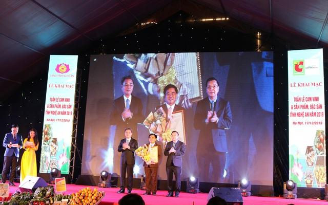 Khai mạc Tuần lễ cam Vinh và đặc sản tỉnh Nghệ An tại Hà Nội  - Ảnh 1.