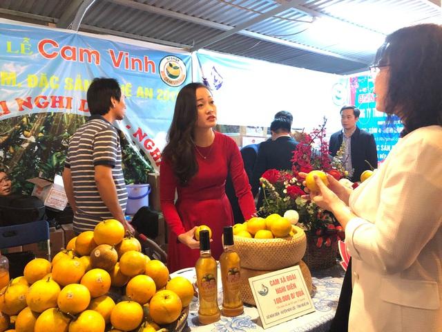 Khai mạc Tuần lễ cam Vinh và đặc sản tỉnh Nghệ An tại Hà Nội  - Ảnh 2.