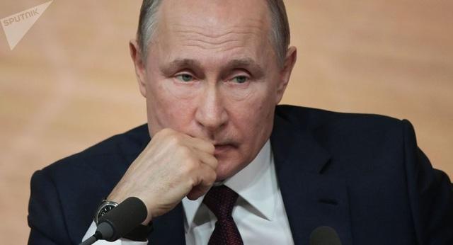 """""""Đẫm nước mắt"""" với nỗi đau lớn nhất trong sự nghiệp Tổng thống được chính ông Putin hé lộ - Ảnh 1."""