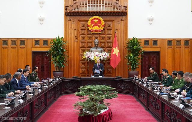 Thủ tướng Nguyễn Xuân Phúc tiếp lãnh đạo Bộ Quốc phòng, quân đội các nước - Ảnh 1.