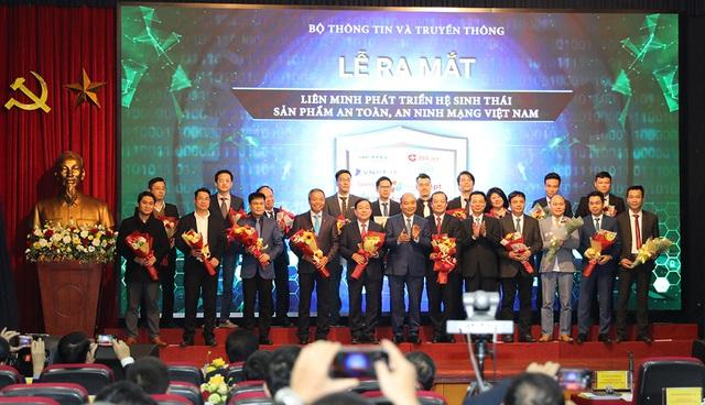 Hình ảnh Thủ tướng Nguyễn Xuân Phúc dự Hội nghị tổng kết ngành Thông tin và Truyền thông - Ảnh 8.