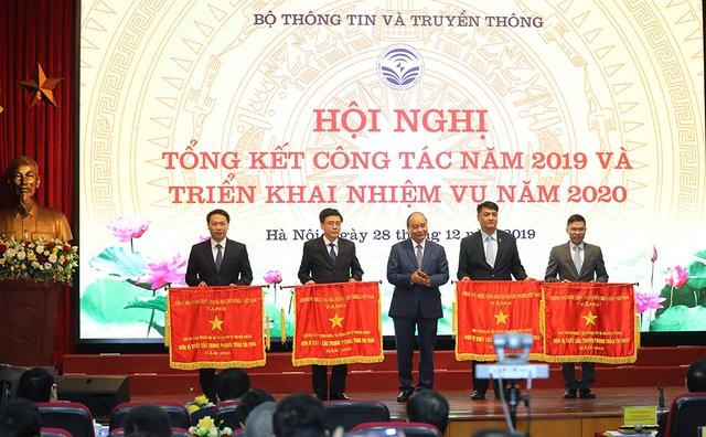 Hình ảnh Thủ tướng Nguyễn Xuân Phúc dự Hội nghị tổng kết ngành Thông tin và Truyền thông - Ảnh 9.