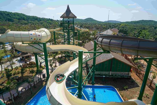 Phú Quốc chính thức ra mắt công viên nước theo chủ đề hiện đại nhất Đông Nam Á - 1