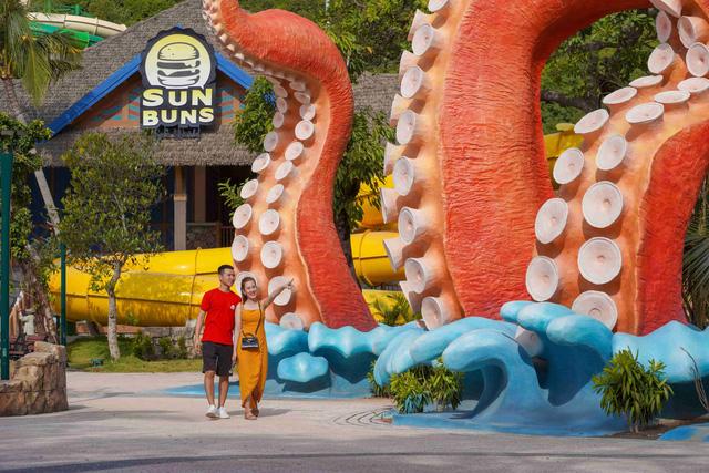 Phú Quốc chính thức ra mắt công viên nước theo chủ đề hiện đại nhất Đông Nam Á - 4