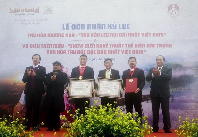 Sa Pa tự hào nhận cùng lúc 2 kỷ lục Việt Nam về du lịch - Ảnh 2.