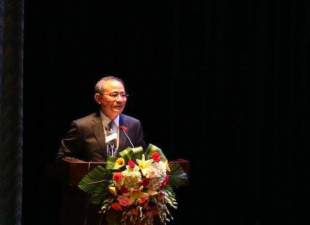 Ông Trương Quang Nghĩa, Bí thư Thành ủy, Trưởng đoàn ĐBQH TP Đà Nẵng trả lời ý kiến cử tri tại buổi tiếp xúc.