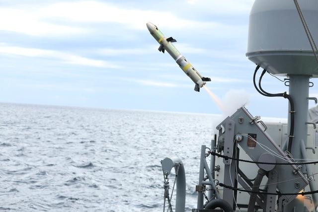 """Mỹ """"động binh"""" ra sao tại loạt eo biển sát sườn Iran - Ảnh 1."""
