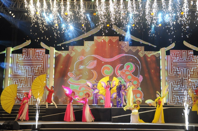 Tây Ninh: Việc xây dựng các ngành công nghiệp văn hóa được đặt trong tổng thể phát triển kinh tế - xã hội chung của tỉnh - Ảnh 1.