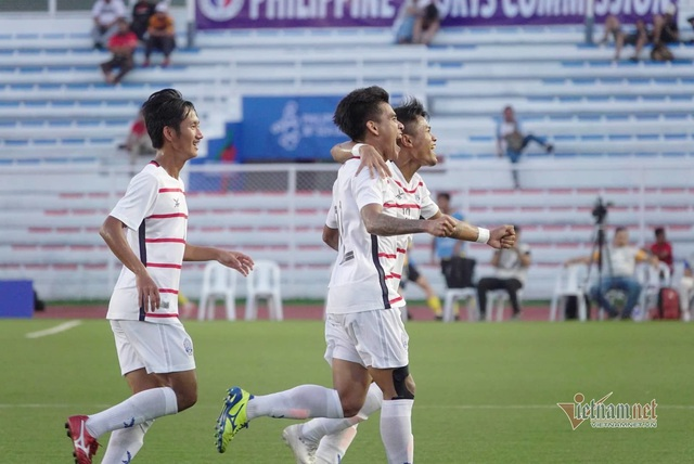 Kết thúc bảng A bóng đá nam SEA Games 30: Malaysia, Philippines bị loại, Myanmar, Campuchia giành quyền vào bán kết - Ảnh 1.